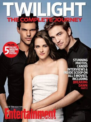 Twilight-5-kristen-stewart-et-robert-pattinson-enlaces-pour-ew-461921_w1000